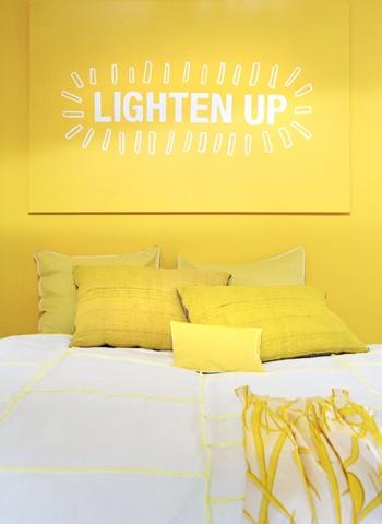 Slaapkamer in fris geel | vtwonen