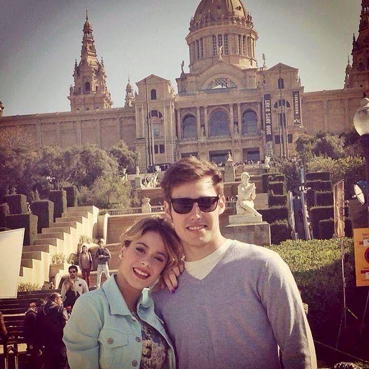 Jorge Blanco alias Leon y Martina Stoessel alias Violetta a Barcelone pour le tournage de la saison 3