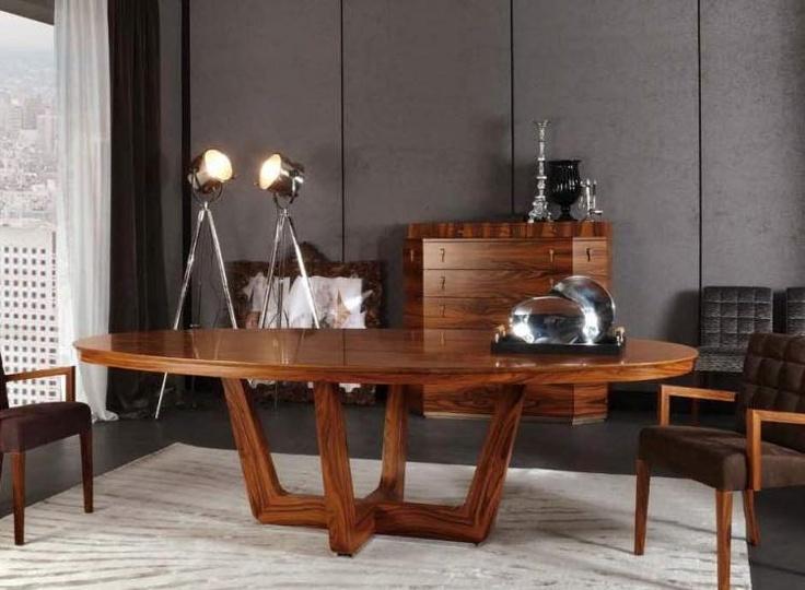 Овальный стол