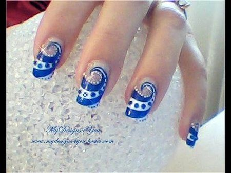 swirl nail design