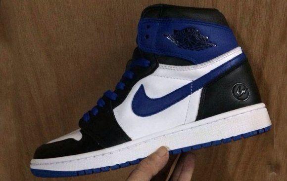 #fragmentdesign x #AirJordan1 #sneakers