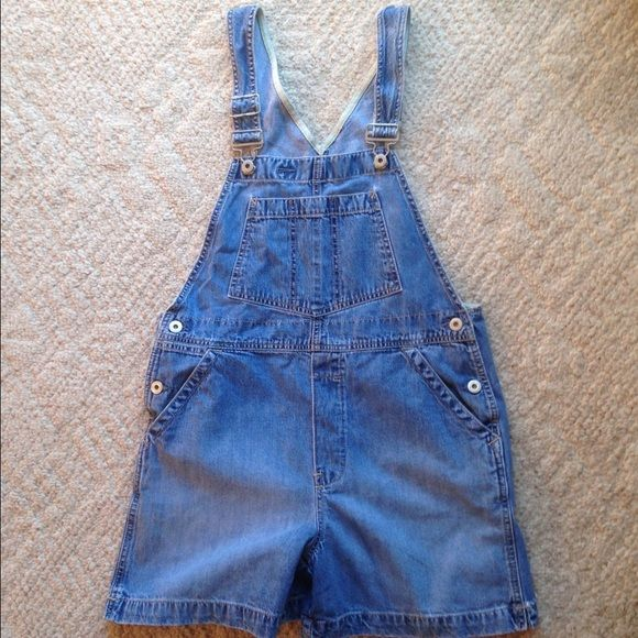 Gap women's overall shorts Distressed style denim. Gap brand overall shorts. Adjustable straps, front, side and back pockets. Women's size small. GAP Shorts Jean Shorts