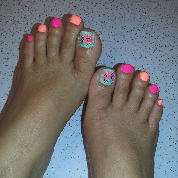 17 best my freestyle nail art images on pinterest nail arts beach toes neon colors fun happy feetflower design prinsesfo Images