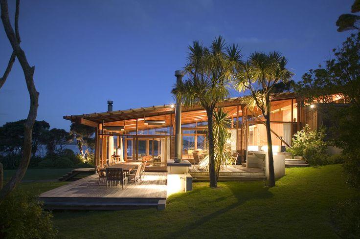Island Complex NZ by Bossley Architects. Photo Patrick Reynolds.