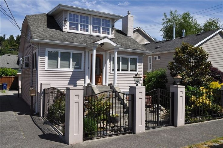 Alki Beach House $425 - sleeper sofa, small dining, vacation rental in Seattle from VRBO.com! #vacation #rental #travel #vrbo