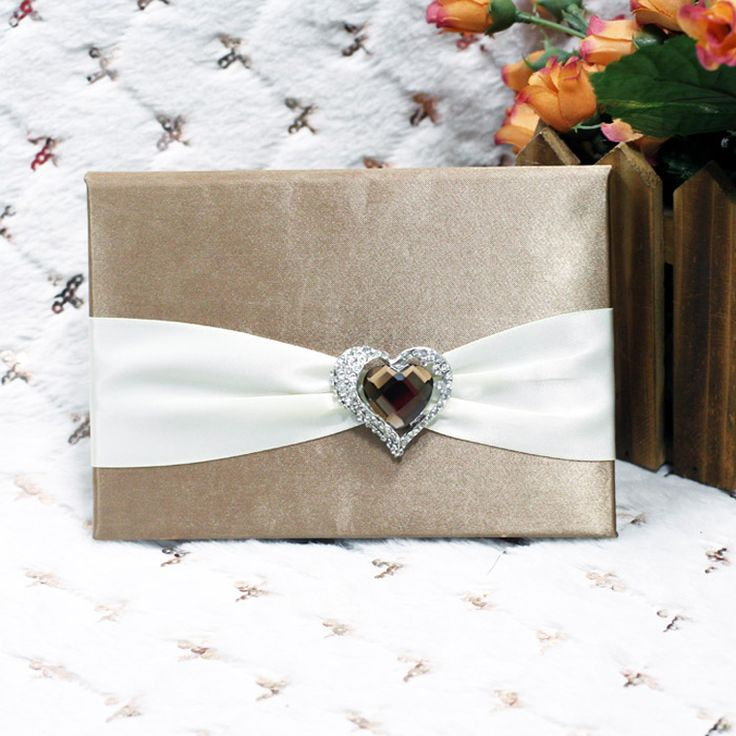 Elegant Wedding Invitations With Crystals | Brooch Wedding Invitations: Elegant  Wedding Invitations With Crystals .