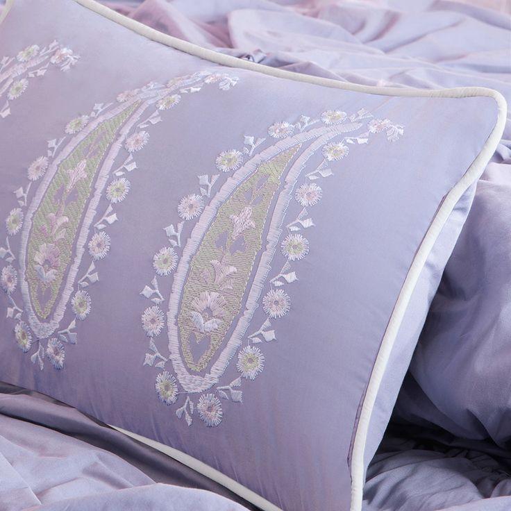 17 best images about purple home decor on pinterest - Light purple comforter set ...