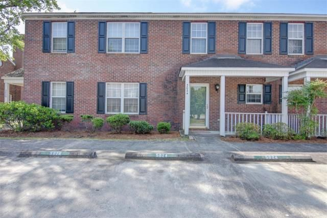 5024 Lampost Circle, Wilmington, NC 28403       MLS: 100011023     Bedrooms: 2     Baths: 1     Partial Baths: 1     SQ FT: 1048     Lot Size: .02     Style: Townhome     Heat Source: Electric     Schools: New Hanover (Elementary School: College Park; Middle School: Williston; High School: New Hanover)