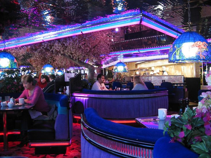 The Peppermill 24-Hour Coffee Shop in Las Vegas -- one of the best places to go when you want something to eat late at night. Crazy neon lighting, very retro