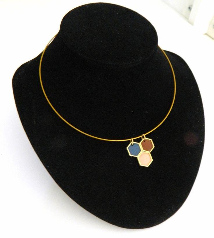 """Collier ras de cou """"hexagone"""" en cuir bleu marron et nude : Collier par azantymariage"""