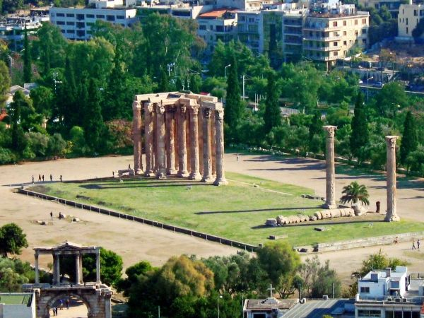 Temple of Olympian Zeus, just few steps from Syntagma Square