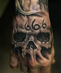Resultado de imagem para tatuagem na mao