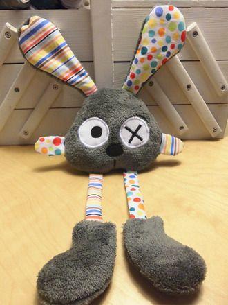 Doudou lapin gris avec des rayures et des pois : Jeux, peluches, doudous par melomelie