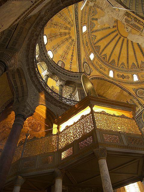 Με τη βοήθεια της τεχνολογίας ταξιδέψτε στην Αγιά Σοφιά των θρύλων και θαυμάστε την τέχνη στον πιο λαμπρό Ναό της Ορθοδοξίας