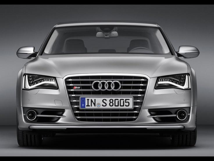 S8 - Audi 2011