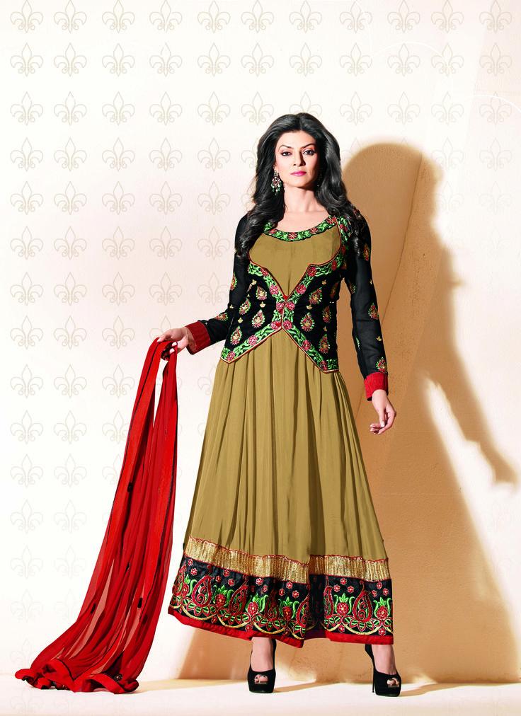 #sushmitasen looking #gorgeous in this beautiful #anarkali suit