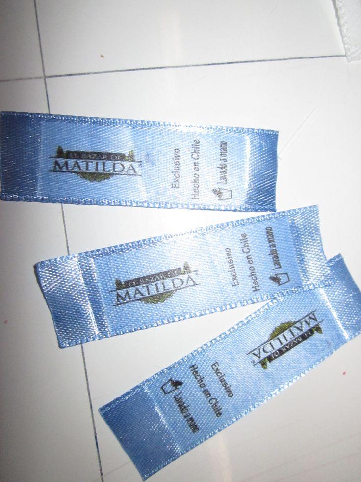 etiquetas en cinta raso