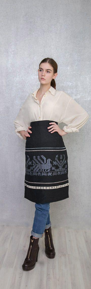 Фартук изо льна, с вышивкой старинного русского узора. Цена 8500 руб