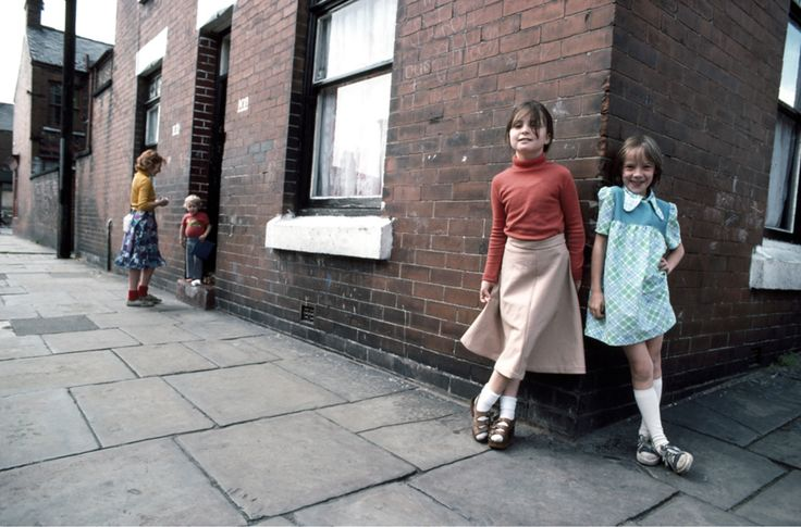 The North Faces – 23 extraordinary photographs captured everyday life in Northern England during the 1960s.