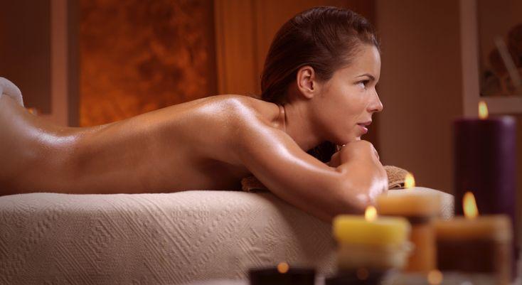 Soirée en amoureux en vue ? Pour être la plus belle, fabriquez une huile de massage coquine qui satinera votre corps et vous rendra terriblement sexy ! Durée : 10 mn Coût maxi: 4,30 €  ...