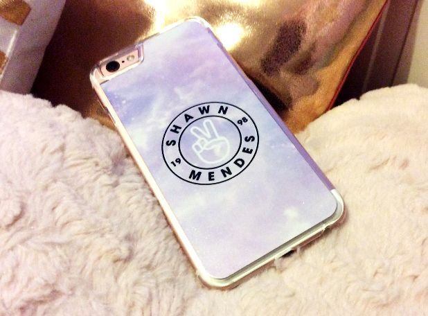 Check out this super cool shot of our Shawn Mendes case sent to us on Twitter. Get yours here for only £5.99 - www.funcases.co.uk/shawn-mendes-phone-case?utm_content=bufferf8de0&utm_medium=social&utm_source=pinterest.com&utm_campaign=buffer