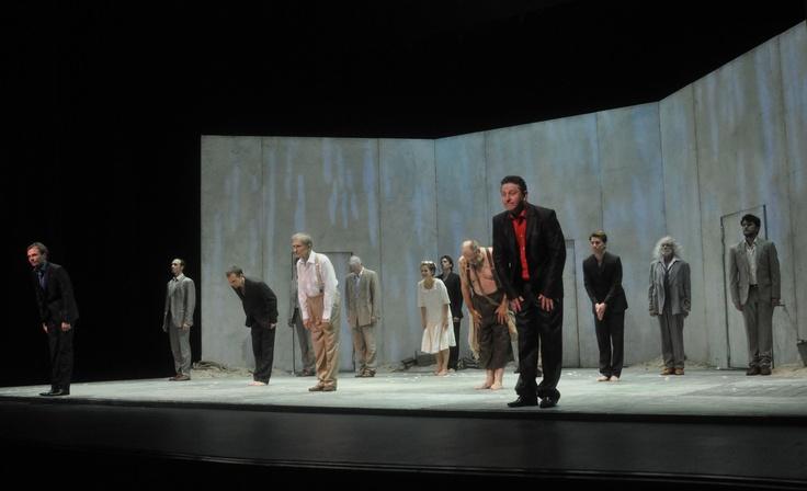 """""""La Tempestad"""" de Shakespeare, por la compañía teatral rusa Chekhov International Theatre Festival, bajo la dirección del renombrado director británico Declan Donnellan. Enero 2013  Foto: Castagnello"""