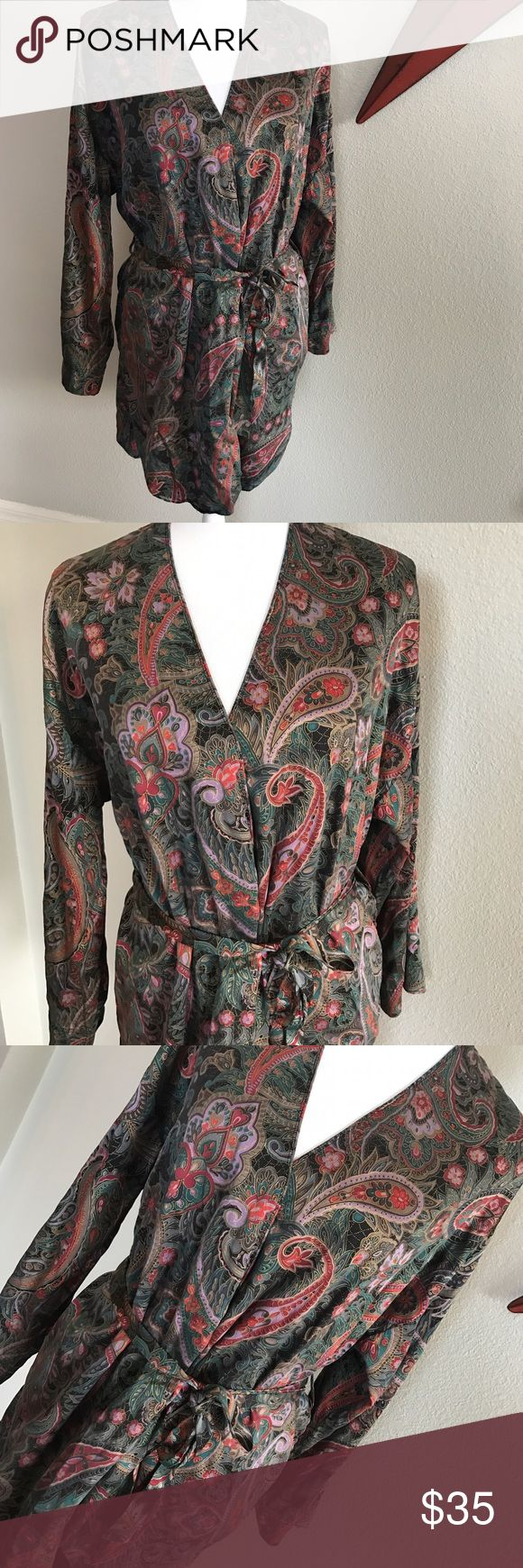 •{victoria's secret}• vintage 100% silk robe Vintage Victoria's Secret 100% Silk Paisley Robe. One size fits all. *would pair beautifully with the vintage VS green bodysuit also in my closet. 10% discount when bundling 2 or more items. Victoria's Secret Intimates & Sleepwear Robes