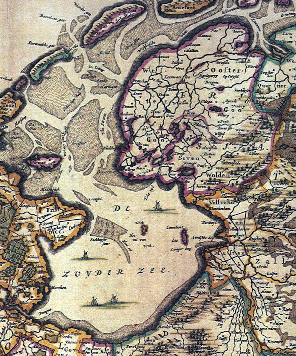 Lemmer lag aan de Zuiderzee op een kwetsbare plaats en werd vaak onder Hollandse invloed gebracht. Dat gebeurde onder andere in 1197, toen graaf Willem I in Oosterzee een burcht liet bouwen in verband met de strijd tegen de heer van Kuinre. In Lemmer stond later ook een kasteel. Dat werd in 1422 gebouwd door Jan van Beieren, die door de Schieringers als beschermheer naar Friesland was geroepen.