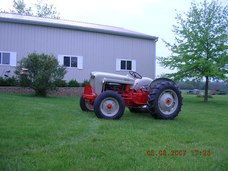 ford thinks my tractor 39 s sexy a collection of outdoors ideas to try old tractors. Black Bedroom Furniture Sets. Home Design Ideas
