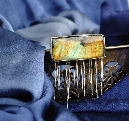 Jewellery Broche labradorite and a mixture of metals