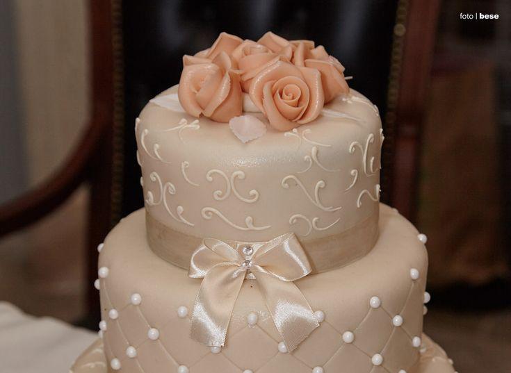 Esküvői torta kombinált fogóval!