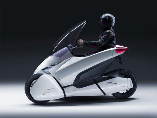 Three Wheeled Electric Honda 3R-C Vehicle