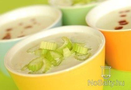 Négysajtos leves  http://www.nosalty.hu/recept/negysajtos-leves