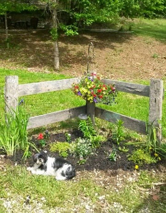Booth #555: BARN LUMBER CORNER FENCE This is what I want around the garden