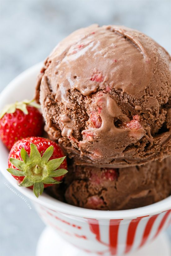 Creamy Dark Chocolate Strawberry Ice Cream - the perfect ice cream to satisfy both chocolate AND strawberry ice cream lovers!