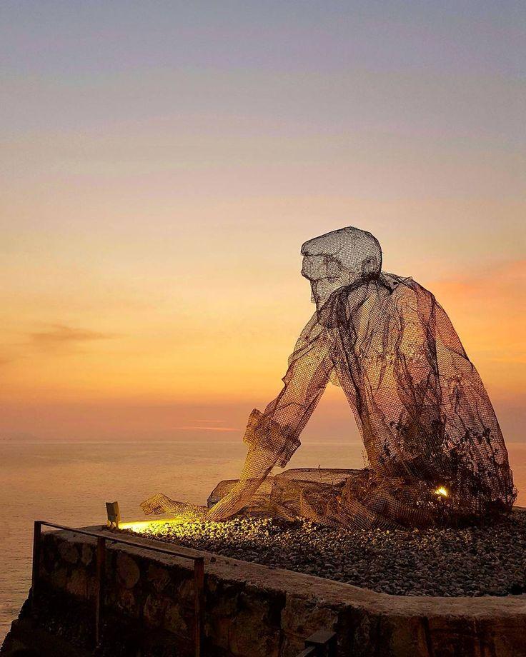 """""""Il silezio è una cosa che si ascolta"""". {H. Murakami - Kafka sulla spiaggia}"""
