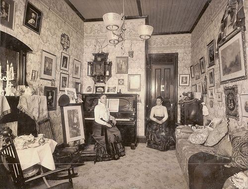 380 best old house interiors images on pinterest for Folk victorian interior