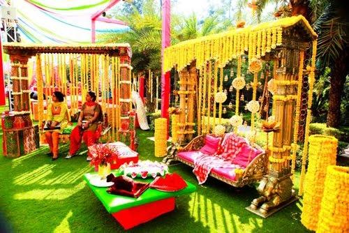 Marigold garlands ♥ outdoor ♥ Indian ♥ fusion ♥ wedding ♥ decor ♥ ceremony ♥ flowers ♥ mandap