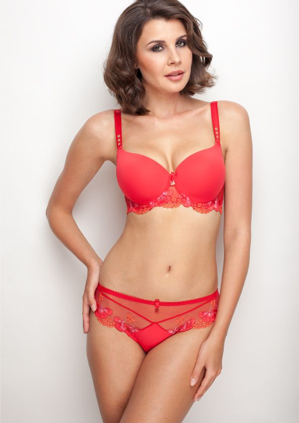 Samanta lingerie - New collection Goshenit crimson bra: A470 pants: B300 www.samanta.eu