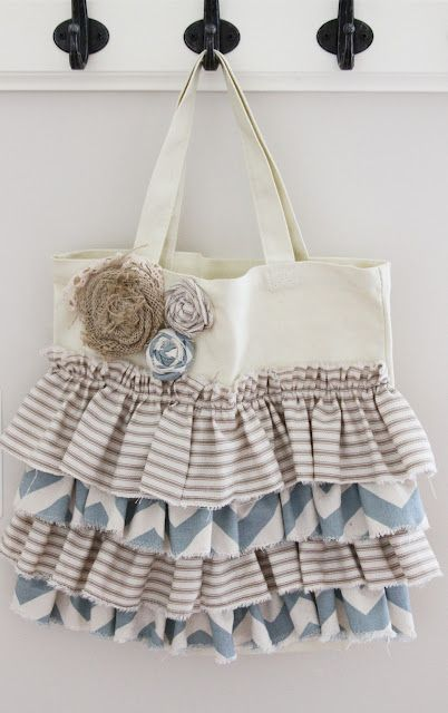 Ruffled Tote: Diapers Bags, Tote Tutorial, Totes Tutorials, Totes Bags, All Canvas, Ruffles All, Robins Cottage, Tote Bags, While