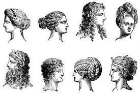 Las  mujeres tenian  el  cabello largo. por ello  las  mujeres  empezaron  a  separarla  en  varias partes , que  ataban  con  cintas,  de ahi surgui  lo mas comunmente llamado  como las  trenzas