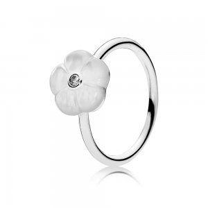 Srebrny pierścionek, biała masa perłowa, cyrkonia sześcienna - Pandora PL  Promocja: 131.98zł  kup teraz: http://www.pandorabiżuteria.com/pandora-dla-mamy.html
