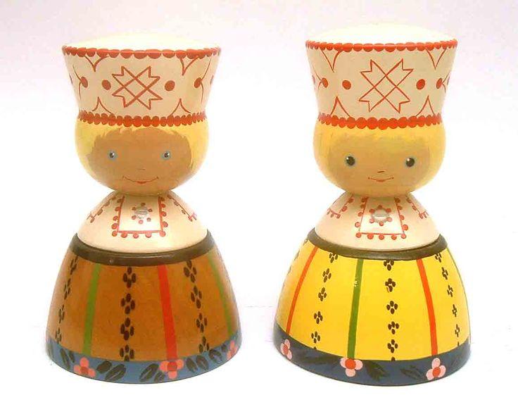 Estonian_Couple-painted wood figures