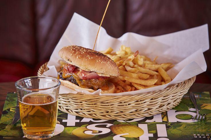Μια μέρα που θα έχετε πολύ όρεξη για φαγητό, επισκεφτείτε το The Upper House και δοκιμάστε το απίθανο Burger Special με σπιτικό μοσχαρίσιο μπιφτέκι με τυρί, τομάτα, κρεμμύδι, πίκλες και την δική μας bbq σος. Εγγυημένη απόλαυση! #TheUpperHouse #UpperHouseAthens #CityLink #Athens #Restaurant #AthensRestaurant #Cafe #AthensCafe #CoffeeHouse #Coffee #CoffeeInAthens #AthensCoffee #AthensCoffeeHouse #Food #AthensFood #FoodInAthens #WineHouse #Wine #WineInAthens #Bar #BarInAthens #AthensBar…