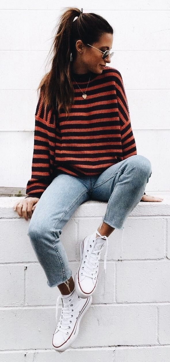 casual outfit striped sweater + boyfriend jeans