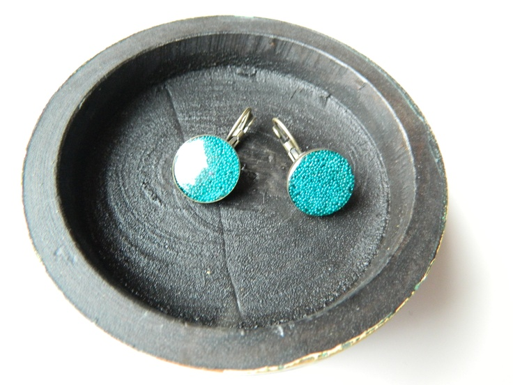Bronze resin earrings with tiny turquoise pearls