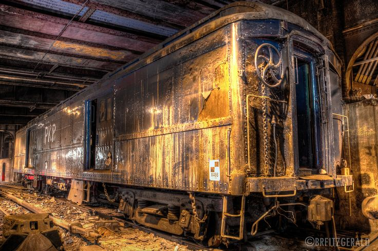 A car from FDR's secret train under the Waldorf Astoria, NYC. © Brian R. Fitzgerald  (brfphoto.tumblr.com)