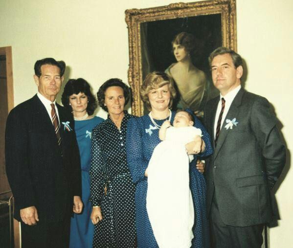 Fotografii uitate cu tatăl Prinţului Nicolae, profesorul Robin Medforth-Mills  Citeste mai mult:adev.ro/p1b8iz