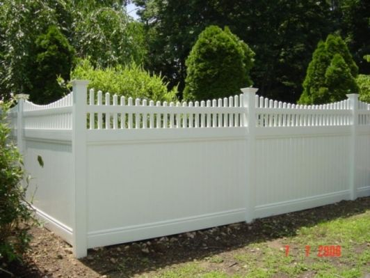 Privacy fence design ideas gallery of glorious privacy for Privacy fence decorating ideas
