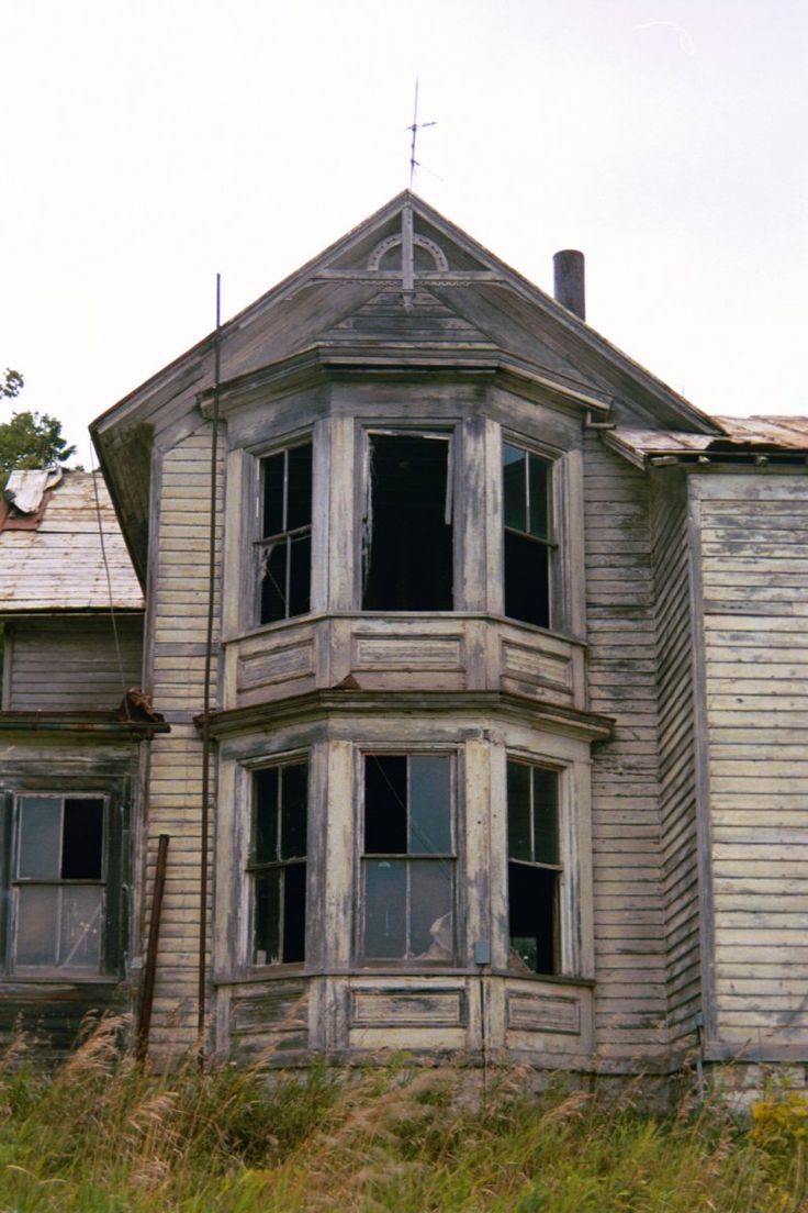 Big nice farm houses of houses are the new old - Old Abandoned Houses Are Nice To Look At But Look Kinda Scary This 1 Sure